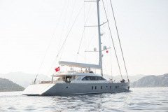 Port-Yachting-All-About-U2-10